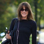 """Carla Bruni, 49 ans, et son corps : """"Je le trouve pratique et dynamique"""""""