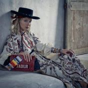 """Jennifer Lawrence : L'héroïne de """"Mother!"""" retrouve son rôle d'égérie Dior"""