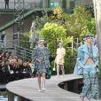 Défilé Chanel, collection prêt-à-porter printemps-été 2018 au Grand Palais. Paris, le 3 octobre 2017.
