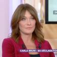 """Carna Bruni sur le plateau de """"C à vous"""" sur France 5, le 6 octobre 2017. Elle y fait une belle déclaration d'amour à Nicolas Sarkozy."""