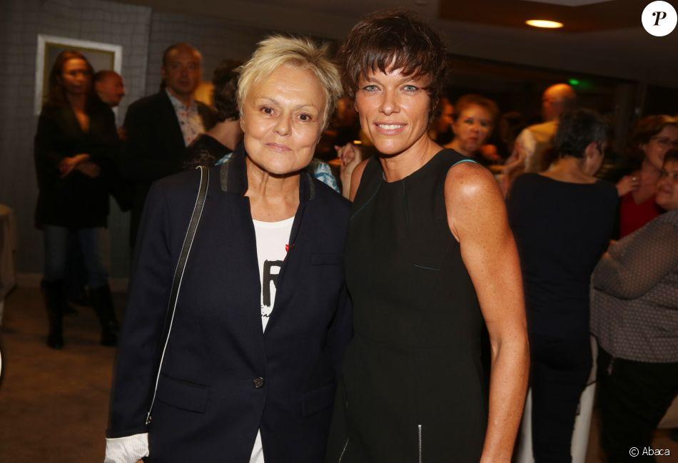 Exclusif - Muriel Robin et Anne Le Nen lors du lancement du livre de Christine Janin et Anna Veronique El Baze 'Dame de Pics et Femme de Coeur', à l'hôtel Mandarin Oriental, à Paris, France, le 09 Octobre 2017.