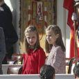 La reine Letizia, Leonor et Sofia - La famille royale espagnole assiste au défilé militaire de la fête nationale à Madrid le 12 octobre 2017.