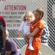 Exclusif - Blake Lively reçoit la visite de sa fille Ines Reynold sur le tournage de 'A Simple Favor' à Toronto au Canada. Le réalisateur Paul Feig s'amuse à prendre des photos de la mère et la fille ensemble! Le 8 septembre 2017