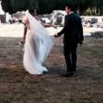 """""""Faustine Bollaert publie une photo de son mariage avec Maxime Chattam célébré le 1er septembre 2012, à l'occasion de leurs noces de bois."""""""