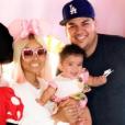 """""""Rob Kardashian et Blac Chyna à Disney avec leur fille Dream - Photo publiée sur Instagram le 19 juin 2017"""""""