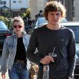 Exclusif - Emma Roberts et son compagnon Evan Peters sont allés déjeuner à Los Feliz, le 26 janvier 2017