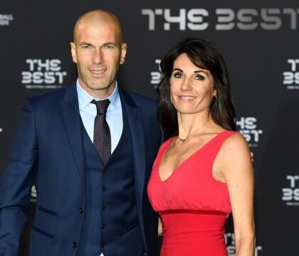 """Zinedine Zidane : Sa discrète femme Véronique ose une """"duck face"""""""