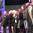 Melissa Joan Hart pose avec le casting de Sabrina l'apprentie sorcière, au Comic Con de Los Angeles, le 29 octobre 2017