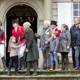 """La princesse Mary de Danemark avec ses quatre enfants, Christian, Isabella, Vincent et Josephine lors de la remise des trophées le 5 novembre 2017 au palais de l'Hermitage, au nord de Copenhague, à l'issue de la course de chevaux """"Hubertus Jagt""""."""
