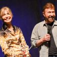 "Chuck Norris et sa femme Gena O'Kelley au ""Wizard World Comic Con"" à Philadelphie, le 3 juin 2017. © Ricky Fitchett via Zuma Press/Bestimage"