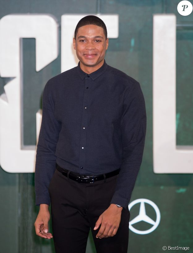Ray Fisher au photocall de la première du film Justice League à Londres le 4 novembre 2017.