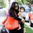 Salma Hayek et sa petite Valentina sont trop mignonnes au parc