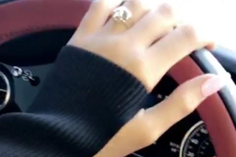Kylie Jenner enceinte et fiancée ? La nouvelle bague qui sème le doute...