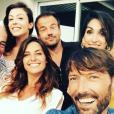 """Laëtitia Milot et ses amis de """"Plus belle la vie"""", le 9 juillet 2017 dans le sud de la France."""