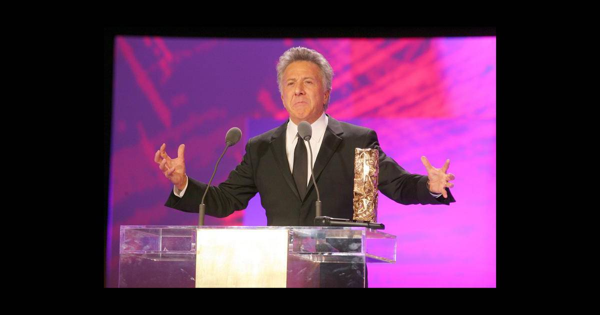 dustin hoffman pendant son discours de remerciement suite la remise de son c sar d 39 honneur. Black Bedroom Furniture Sets. Home Design Ideas