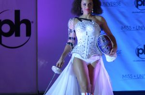 Alicia Aylies interdite de porter son costume national à Miss Univers 2017 ?