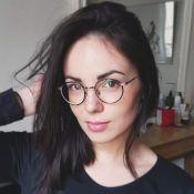 Agathe Auproux : Tenue cocooning sexy, elle se dévoile dans son intimité