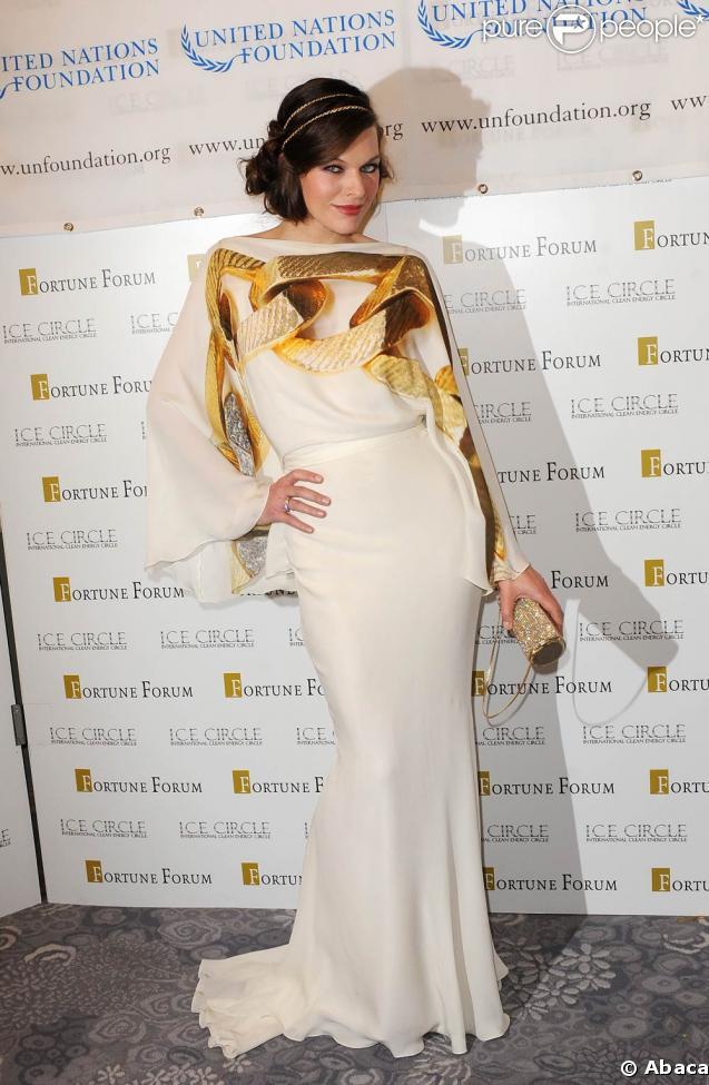 Milla Jovovich au 3e Fortune Forum Summit, le 3 mars 2009, au Dorchester Hotel de Londres