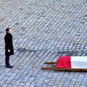 Obsèques de Jean-d'Ormesson : Les Macron main dans la main devant le cercueil