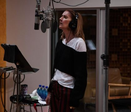 Céline Dion : Encore une nouvelle tête pour la star, en studio...