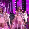 Les Miss en tenue de fête de la musique - Concours Miss France 2018. Sur TF1, le 16 décembre 2017.