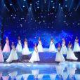 Les 30 Miss rendent hommage à Johnny Hallyday en tenue de gala - Concours Miss France 2018. Sur TF1, le 16 décembre 2017.