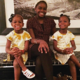 Estere et Stella avec leur grande soeur Mercy sur Instagram, le 14 mai 2017.