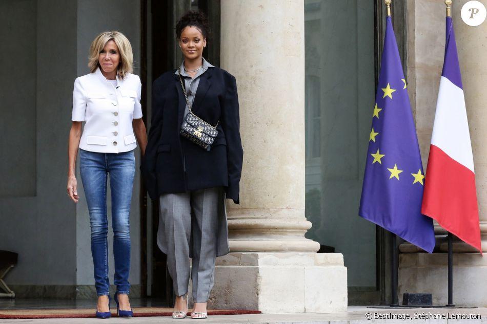 Christophe Castaner s'excuse après ses propos sexistes — Rihanna