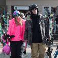 Exclusif - Paris Hilton et son compagnon Chris Zylka vont faire du ski à Aspen le 28 décembre 2017.