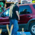 Exclusif -Thomas Markle, le père de Meghan Markle, fait des courses dans les rues de Rosarito au Mexique, le 6 décembre 2017.