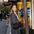 La jolie Elizabeth Berkley, à la sortie du centre commercial The Grove, le samedi 7 mars 2009, à Los Angeles.