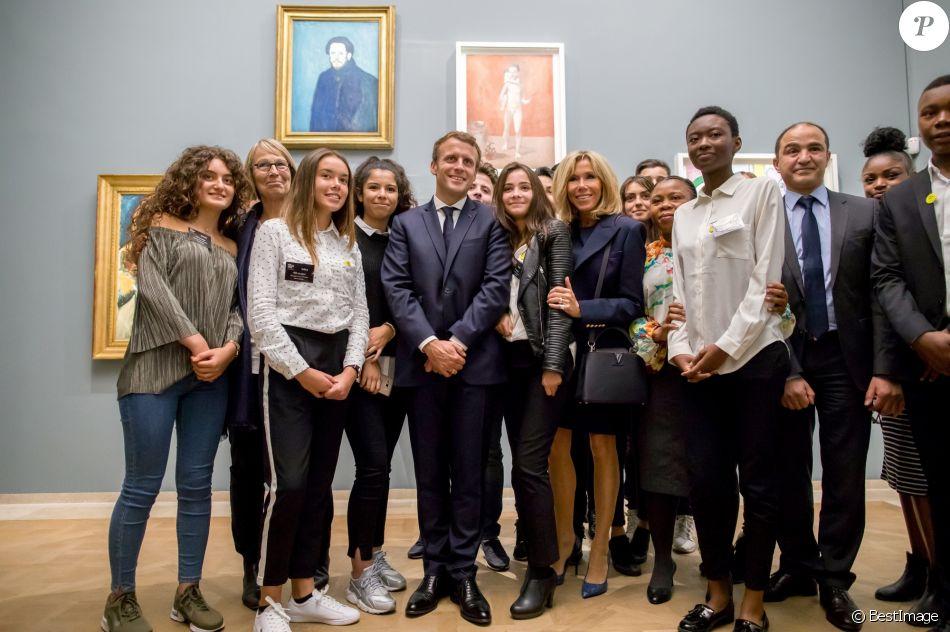 Le President De La Republique Francaise Emmanuel Macron Sa Femme La Premiere Dame Brigitte Macron Trogneux La Ministre De La Culture Francoise Nyssen Et Une Purepeople