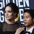 Angelina Jolie et son fils Pax sur le tapis rouge de la 75ème cérémonie des Golden Globe Awards au Beverly Hilton à Los Angeles, le 7 janvier 2018. © Chris Delmas/Bestimage