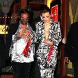 """Bella Thorne quitte la première de """"The Babysitter"""" au bras d'un inconnu à Los Angeles, le 11 octobre 2017. © CPA/Bestimage"""