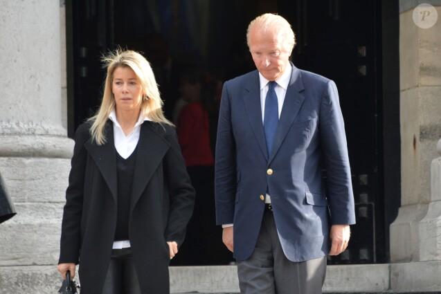 Valérie Hortefeux et son mari Brice Hortefeux - Sorties de obsèques de Jean-Noël Tassez, le compagnon de Charlotte Rampling, au crématorium du cimetière du Père-Lachaise à Paris, le 9 octobre 2015.