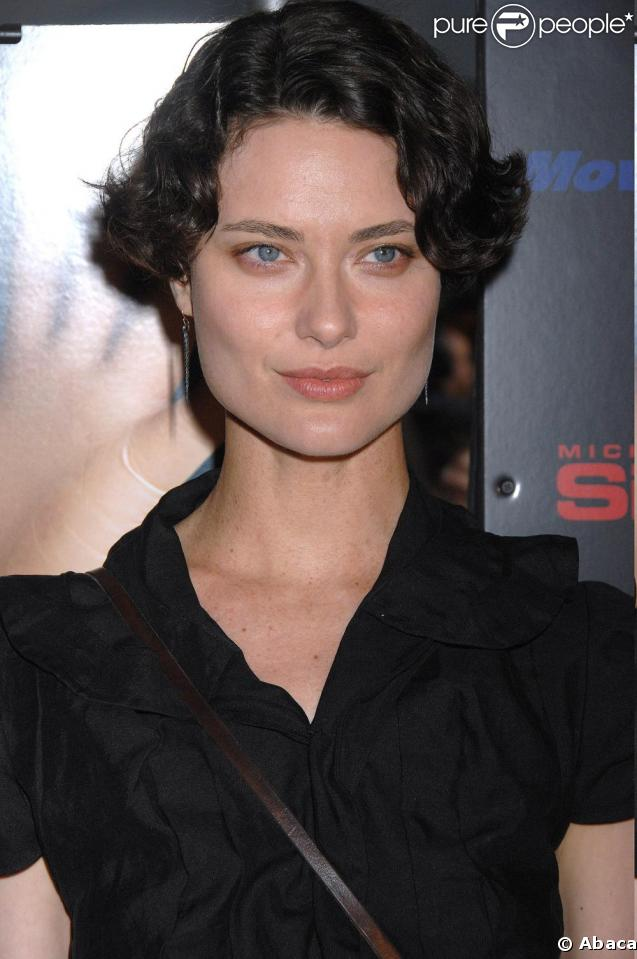Shalom Harlow - Wallpaper Gallery