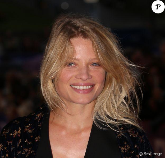 Mélanie Thierry - Clôture du 28ème Festival du Film Britannique de Dinard le 30 octobre 2017. © Denis Guignebourg/BestImage