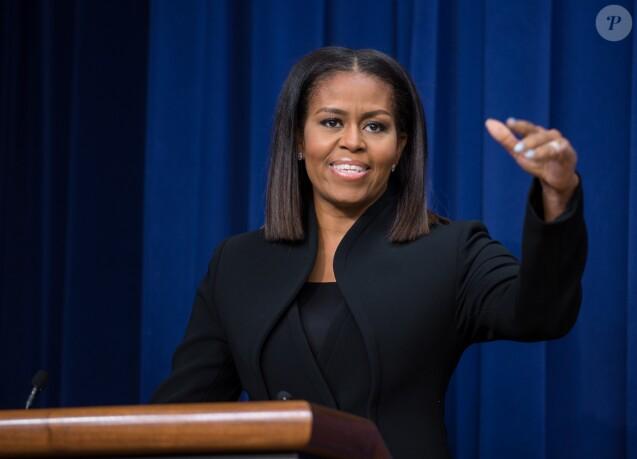 Michelle Obama - Débat à la Maison Blanche après une projection de film sur les femmes noires qui ont travaillées à la NASA à Washington le 15 décembre 2016.