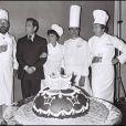 Paul Bocuse avec Jean Rochefort, Philippe Noiret, le réalisateur Ted Kotcheff, Jacqueline Bisset, Jean-Pierre Cassel en 1978 à Paris lors du tournage du film La Grande Cuisine.
