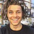 """Alex Høgh Andersen, acteur dannois campant Ivar dans la série """"Vikings"""", ressemble à Rayane Bensetti."""