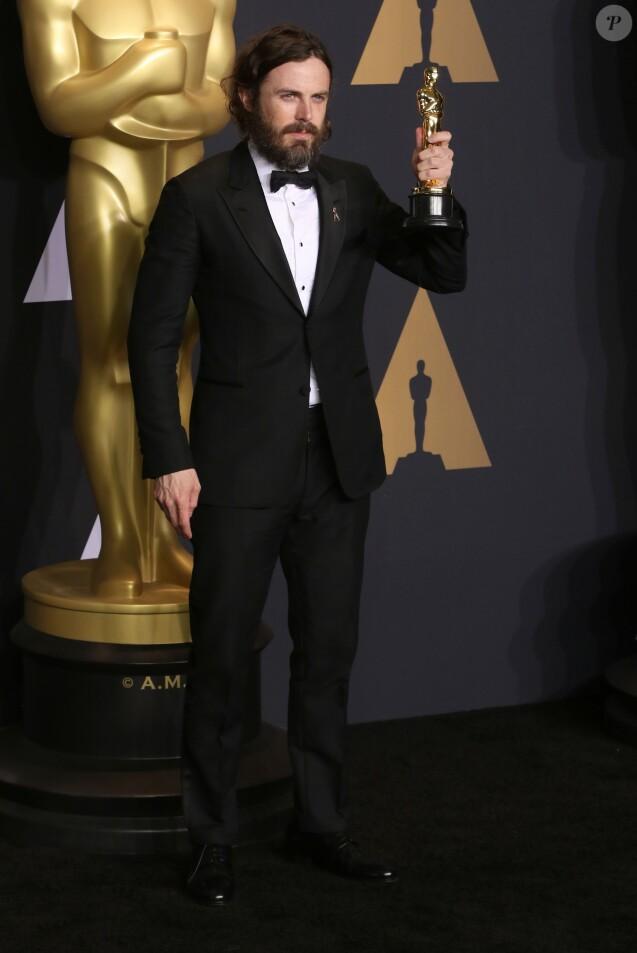 """Casey Affleck (Oscar du meilleur acteur pour """"Manchester by the Sea"""") - Pressroom de la 89ème cérémonie des Oscars au Hollywood & Highland Center à Hollywood, le 26 février 2017"""