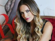 Clara Morgane seins nus face au miroir : Sensuel jeu de cache-cache