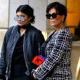 Kris Jenner et sa fille Kylie Jenner à la sortie de l'hôtel Peninsula à Beverly Hills le 5 novembre 2015