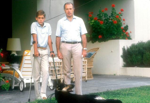 Le prince Louis de Bourbon et son père Alfonso de Bourbon, photo d'archives, dans les années 1980.