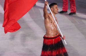 Jeux olympiques : Le sexy Pita Taufatofua revient torse nu, dans le froid !