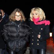 Brigitte Macron affronte le froid en rose fuchsia pour des Détenues saisissantes