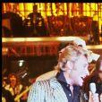 Gérard Depardieu et Johnny Hallyday avec Eddy Mitchell à Paris en 1980.