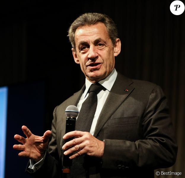 """Semi-exclusif - Nicolas Sarkozy - Vente aux enchères au profit de la campagne """"Guérir le cancer de l'enfant"""" au Pavillon Ledoyen à Paris le 13 février 2018. L'intégralité des dons effectués à l'occasion de cette soirée ira au profit de la campagne """"Guérir le cancer de l'enfant au 21ème siècle de la Fondation Gustave Roussy"""". F. Lemos, le père du petit Noé décédé il y a quatre ans d'un cancer du cerveau, avait fait afficher le visage de son fils sur la Tour Montparnasse pour tout le mois de septembre. Depuis, son combat est devenu cette grande campagne dont N. Sarkozy est le parrain cette année. © Cyril Moreau/Bestimage13/02/2018 - Paris"""