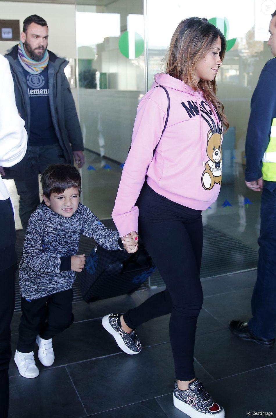 Antonella Roccuzzo (enceinte), femme de Lionel Messi, et ...