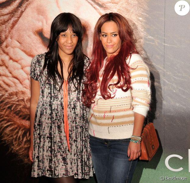 Amel Bent et sa soeur - Première de 'Chimpanzés' au Grand Rex à Paris le 12 fevrier 2013.